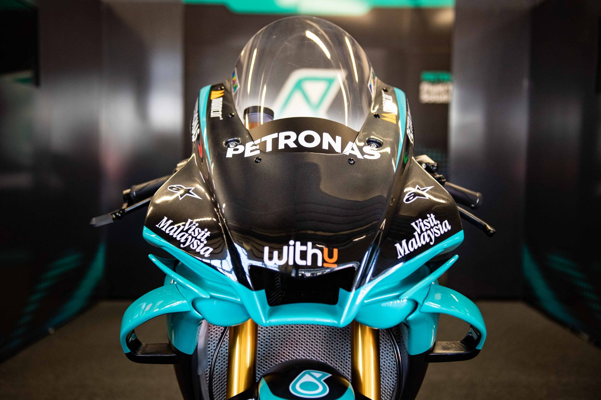 Yme And Yart Gytr Pro Shop Unveil Official Petronas Yamaha Sepang Racing Team Replica R1